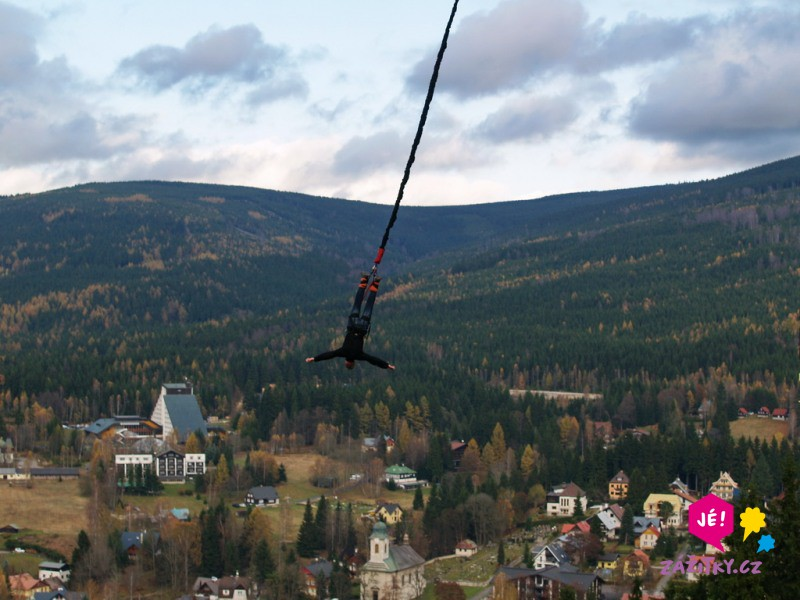 Bungee jumping z věže - dárek