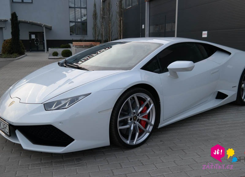 Jízda v Lamborghini - poukaz na zážitek