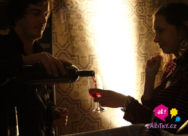 Ochutnávka světových vín - dárkový poukaz
