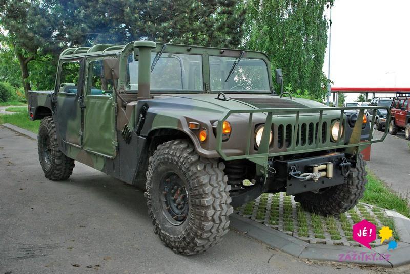 Projížďka v terénním voze Hummer H1 - dárkový poukaz