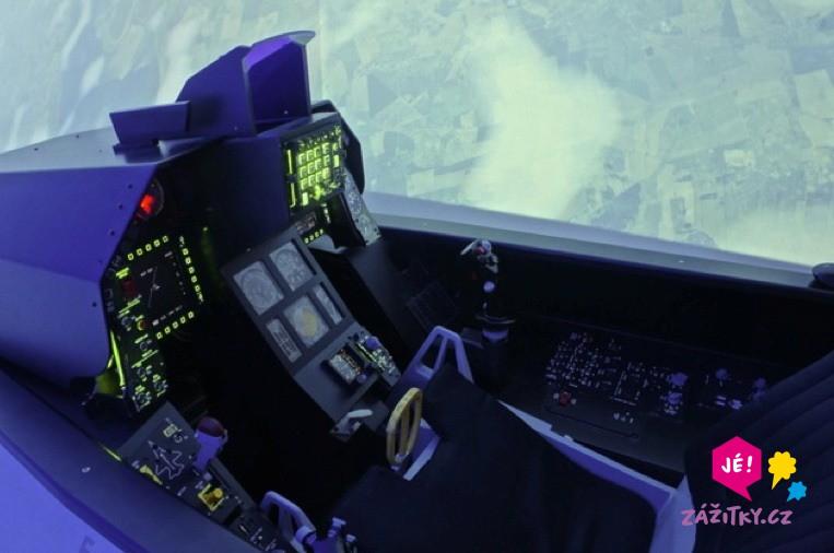Simulátor stíhačky F16 - dárkový poukaz