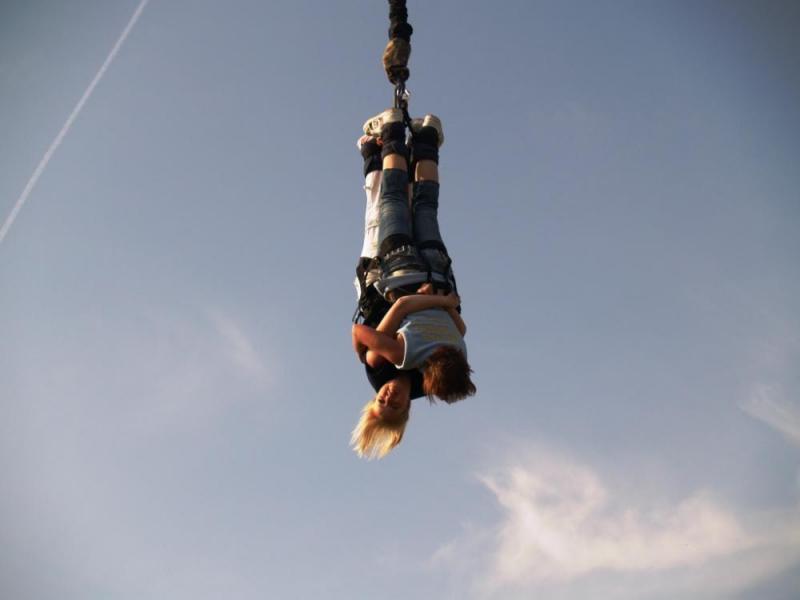 Bungee jumping až 120 metrů z jeřábu - dárkový poukaz