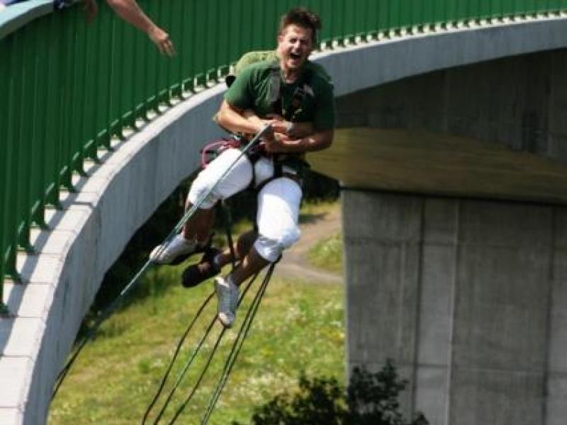 Bungee jumping - Kieneova houpačka - dárkový poukaz