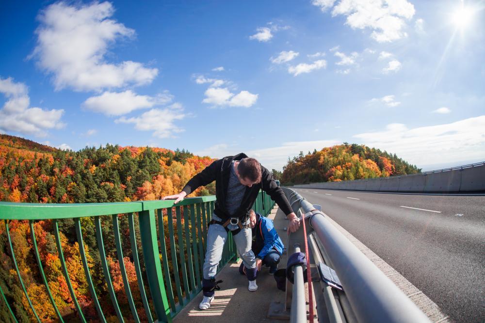 Bungee jumping z nejvyššího mostu ČR - poukaz na zážitek