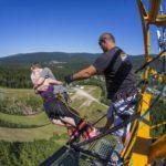 Bungee jumping z televizní věže - dárkový poukaz na zážitek