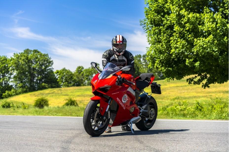 Jízda na motorce Ducati Panigale V4 - dárek