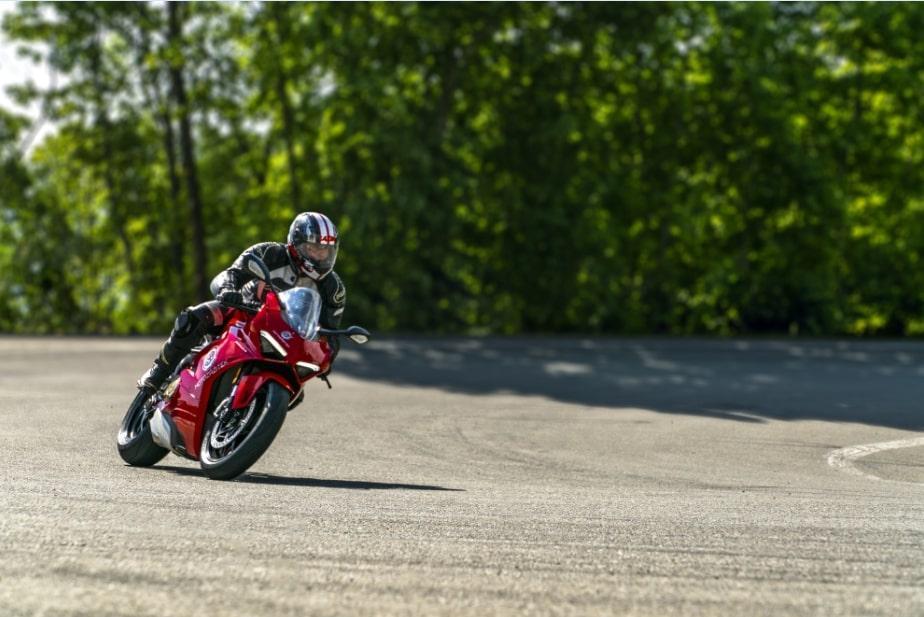 Jízda na motorce Ducati Panigale V4 - certifikát