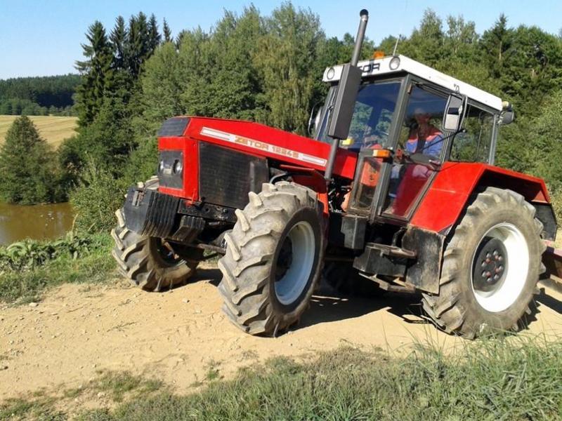 Jízda traktorem - dárkový poukaz