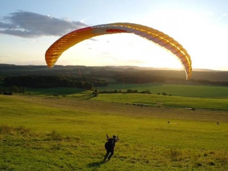 Minikurz paraglidingu - dárkový poukaz