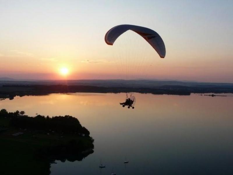 Motorový paragliding - dárkový poukaz