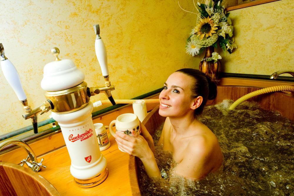 Pivní koupel pro milovníky piva - poukaz na zážitek