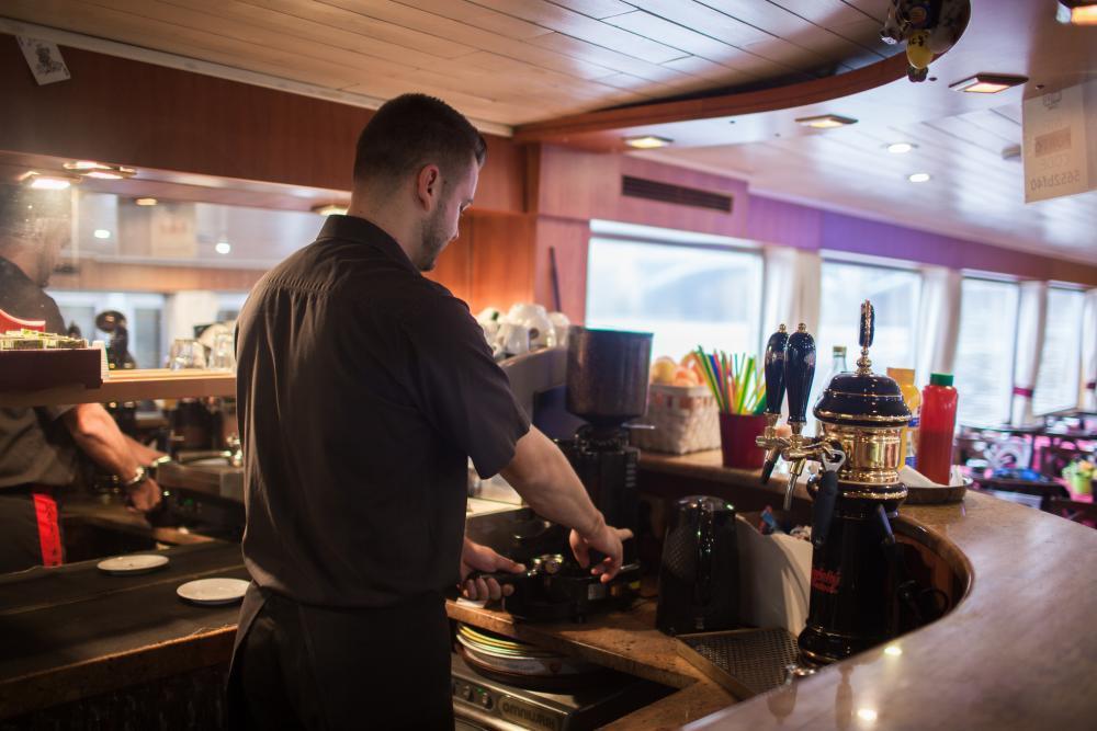 Plavba lodí po Vltavě - poukaz na zážitek