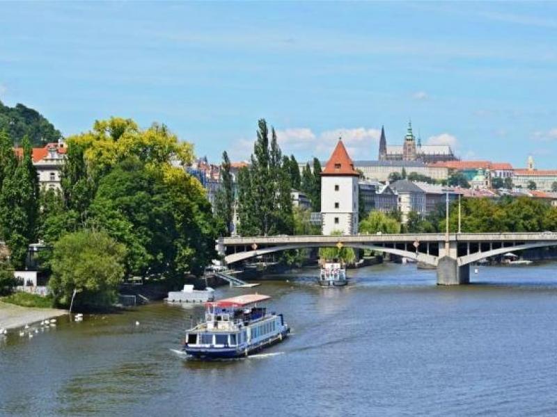 Plavba lodí po Vltavě - dárkový poukaz