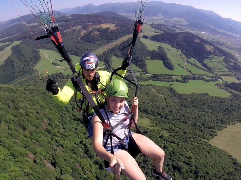 Tandemový paragliding - vyhlídkový let - dárkový poukaz